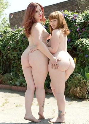 Lesbian Moms Porn Pictures