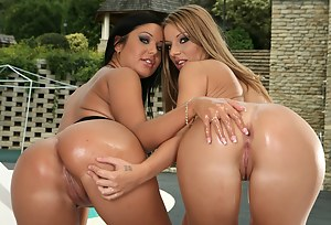 Oiled Lesbian Porn Pictures