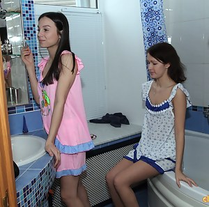 Lesbian Reality Porn Pictures